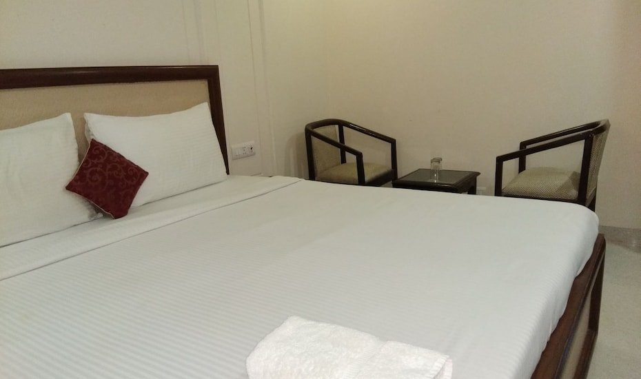 Hotel Blu Pebbles, Airport Zone,
