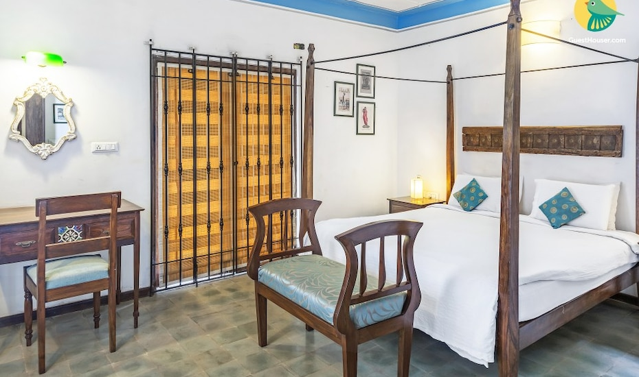 Portuguese 4-BR pool villa, none,