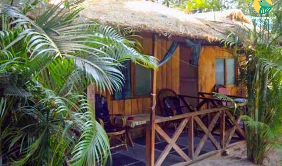 2-BR rustic hut, Palolem Beach,