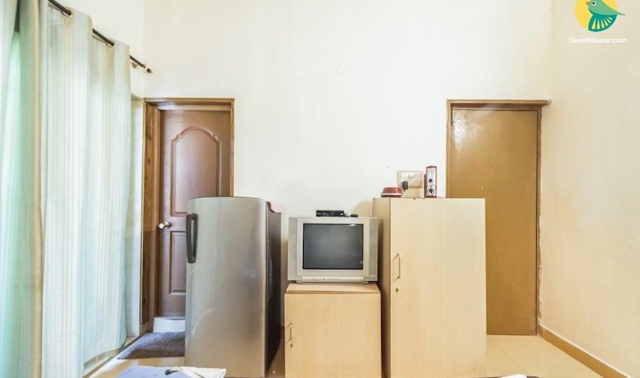 Villa stay for 3 in Candolim, none,