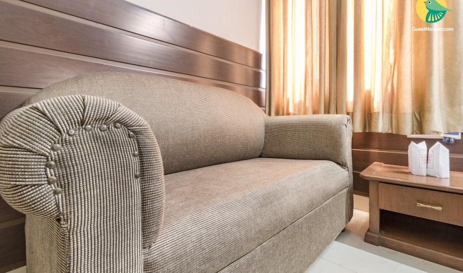 Restful stay for three, close to Albert Hall Museum, Panch Batti Circle on MI Road,