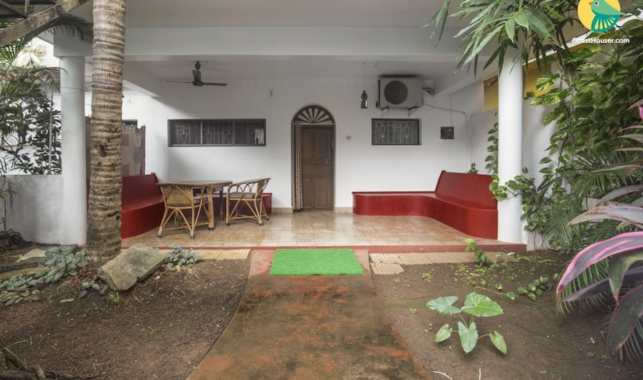 Single cottage bedroom, 1.7 km from Calangute beach, Calangute,
