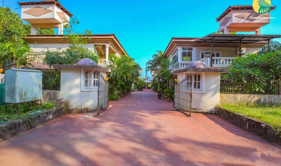 4-bedroom villa, 3.1 km from Baga Beach, Baga,