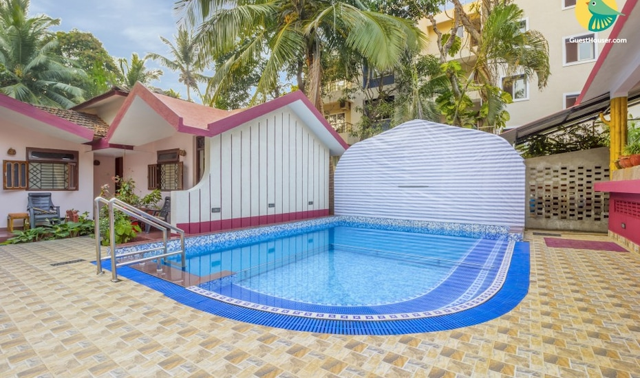 Capacious stay with an azure pool, 140 m from Vagator Beach, Vagator,