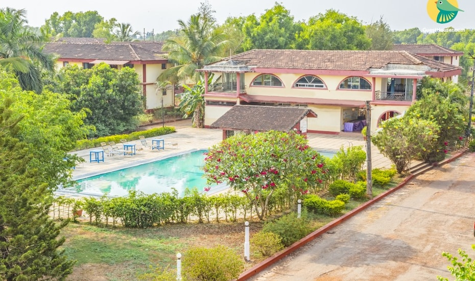 Tranquil stay for a couple, 400 m from Varca Beach,Goa