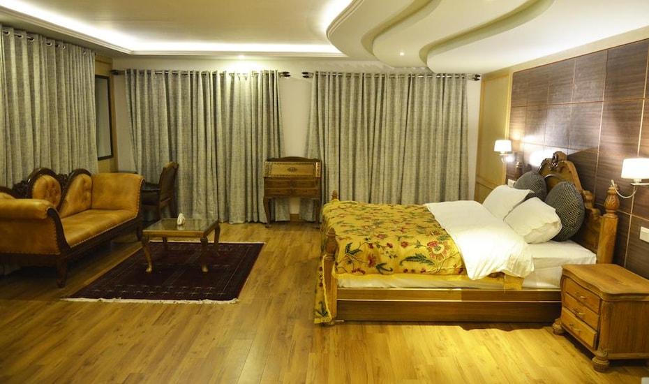 Kashmir Mahal Resort, none,