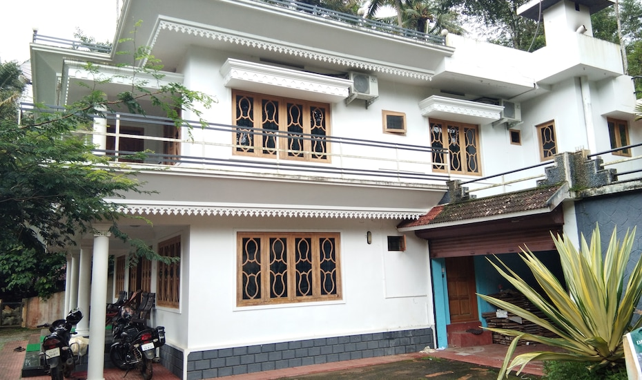 Devika Indeevaram Home Stay,Munnar