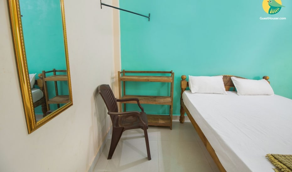 Peaceful hideaway for three, close to Calangute Beach, none,