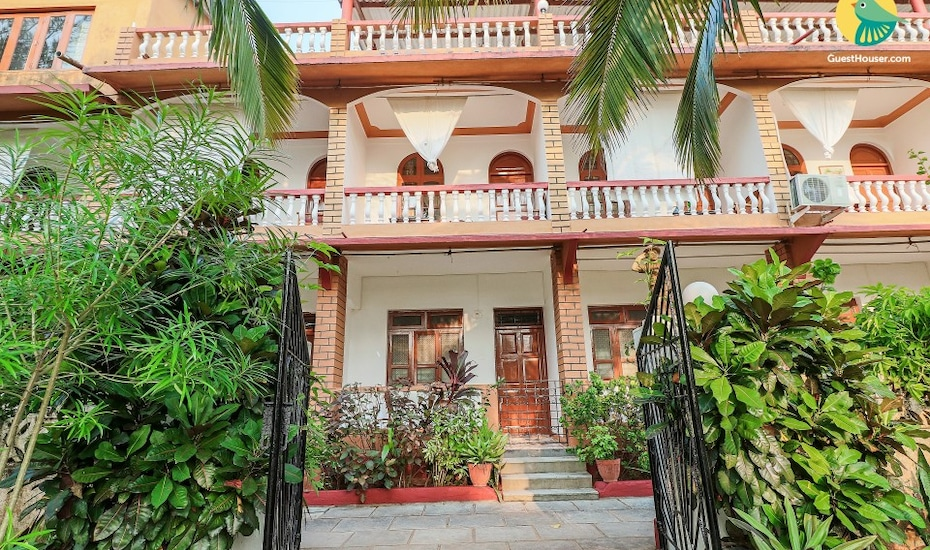 Peaceful boutique stay, 850 m from Candolim beach, Monterio's Road,