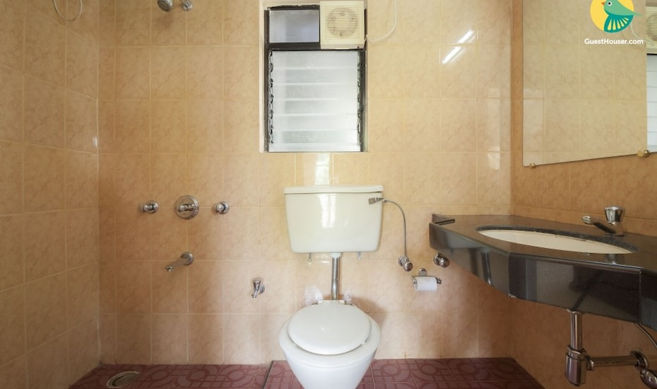 3-BR villa with a pool for a pleasant group retreat, Alto De Porvorim,