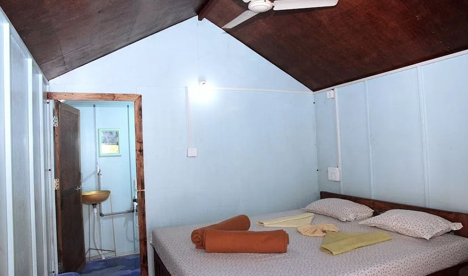 Sea Bird Beach Cafe & Cottages, Morjim,