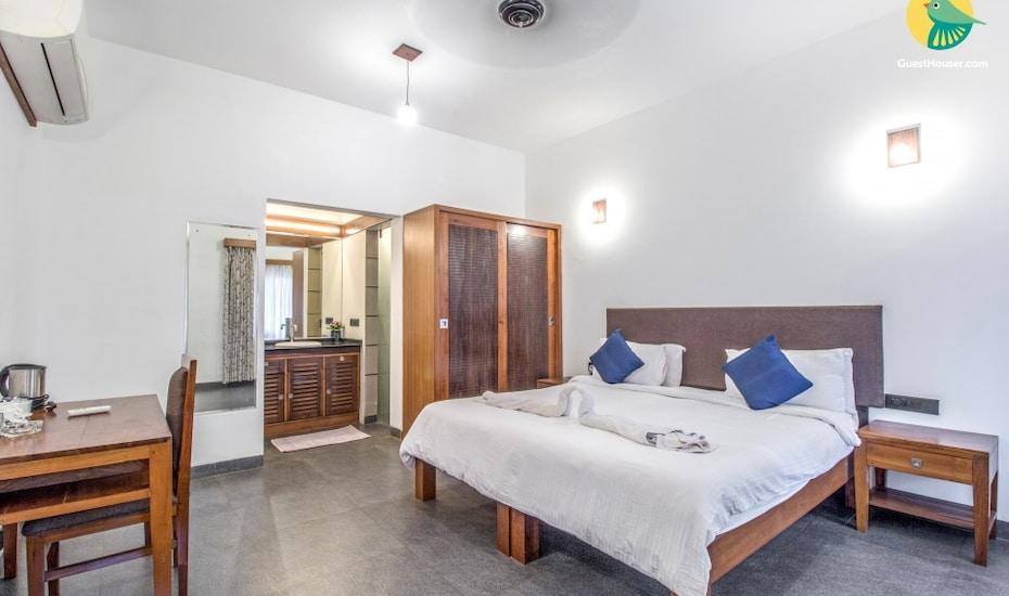 Chic abode for three, 700 m from Agonda Beach, Agonda Beach,