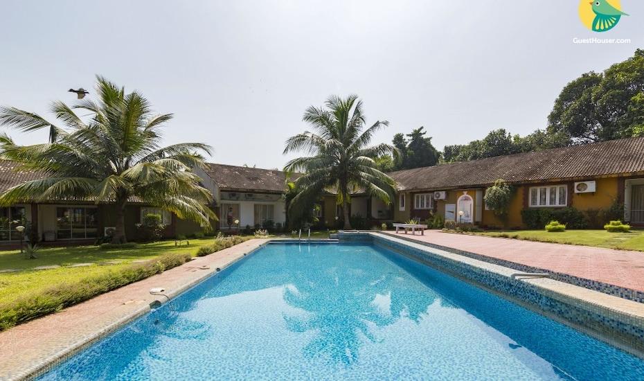 2-bedroom villa with a pool, 2.9 km from Anjuna Flea Market, Vagator Beach Road,