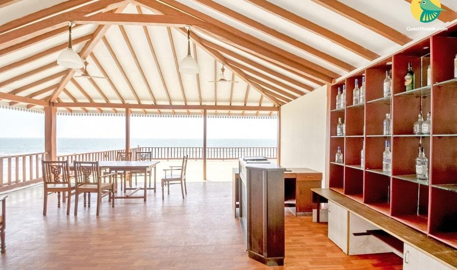 Beach-facing room for three, ideal for a lavish holiday, Ashwem Beach,