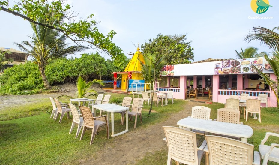 10-bedroom cottage in Vagator, 1 km from beach, none,