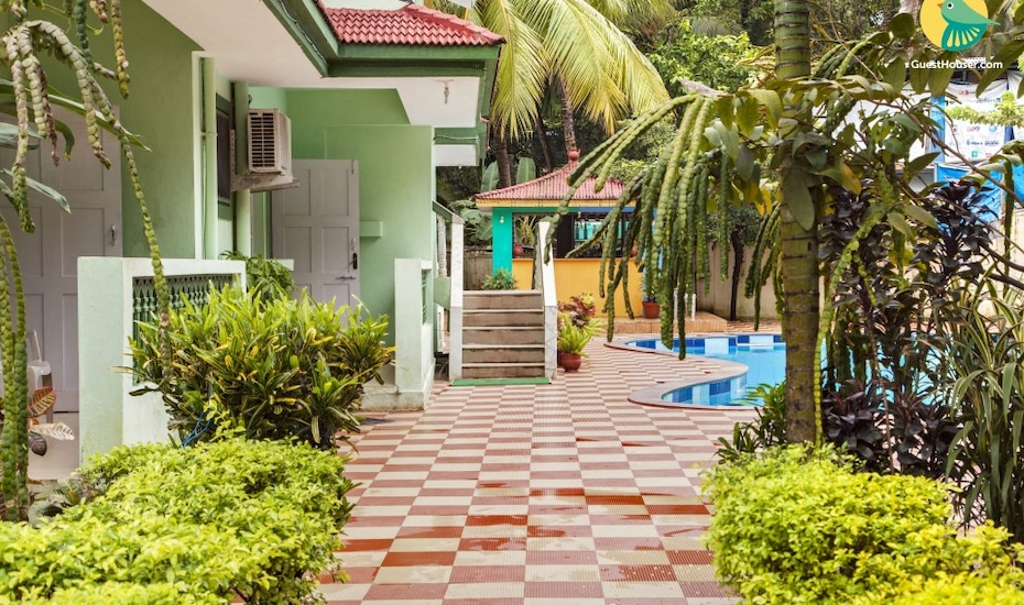 3-bedroom spacious villa with a pool, 1.4 km from Candolim beach, Candolim,