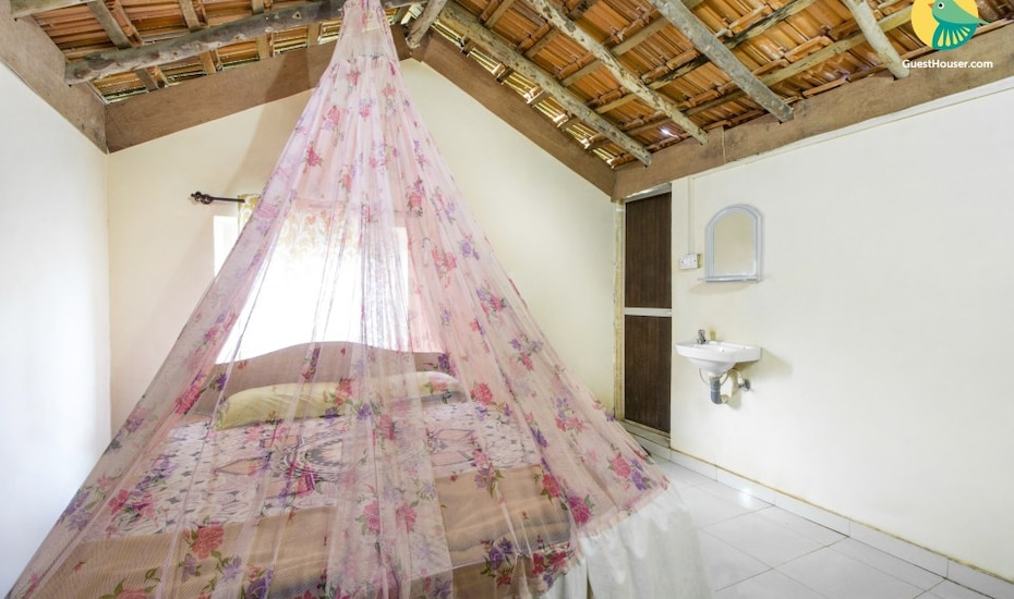 Backpackers abode for two, 2 km from Arambol beach, none,