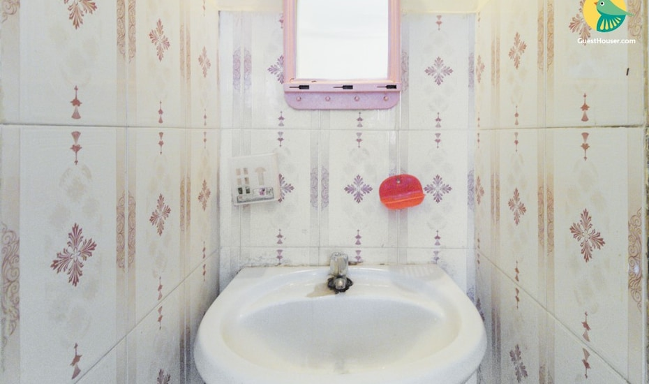 Well-furnished abode, near O Coqueiro restaurant, Porvorim,
