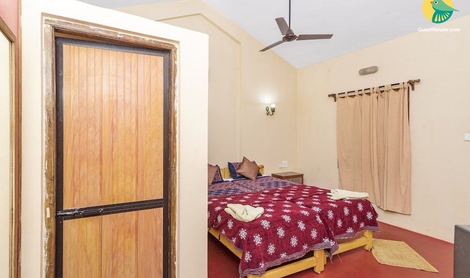 Rustic boutique accommodation for 2, close to Anjuna Beach, Vagator,