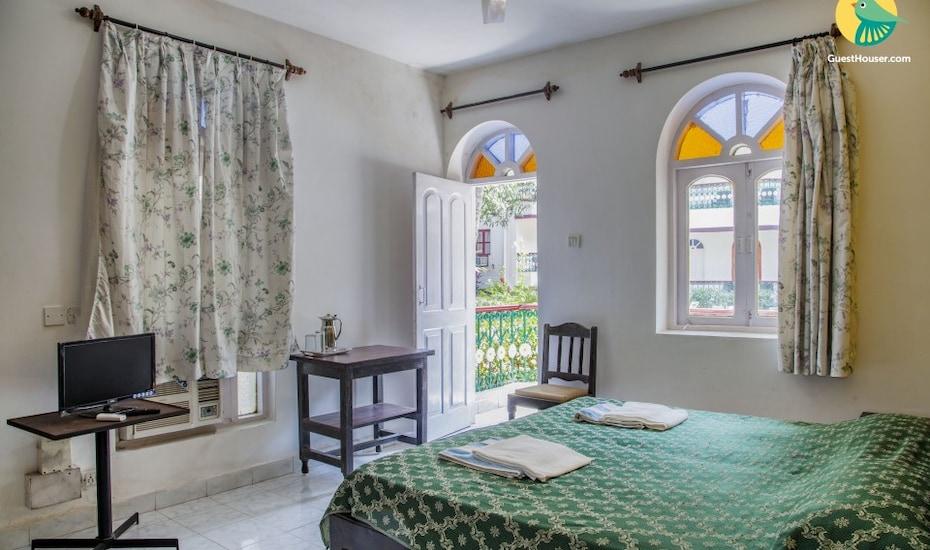Quintessential 1-bedroom Goan villa, 350 m from Titos Cafe, Baga,