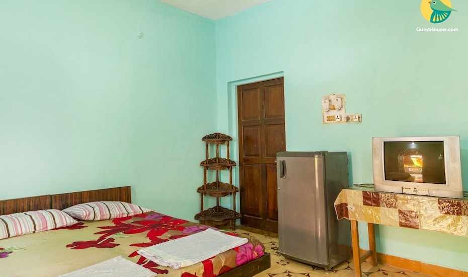 2-bedded accommodation for six, 500 m from Baga Beach, Baga,