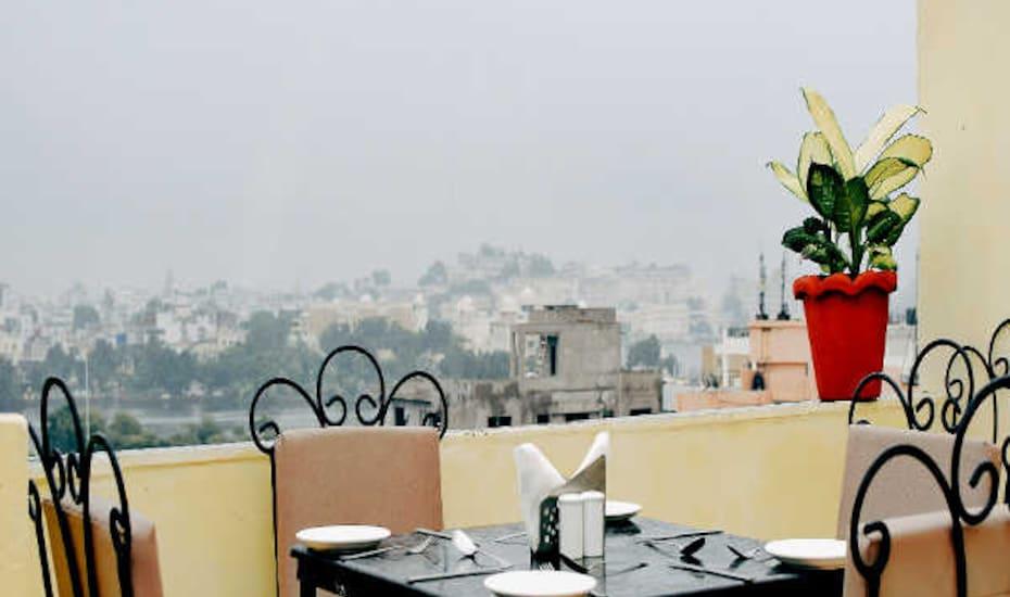 Hotel Paheli Palace, none,