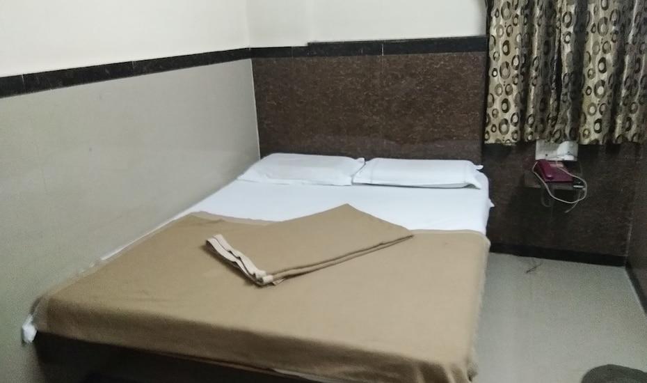 Hotel Omshakti Paradise, none,