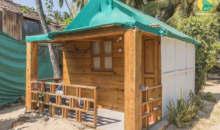 Commodious beachside cottage, perfect for backpackers, Palolem,