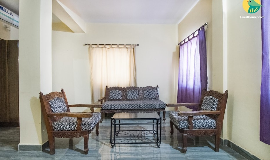 Restful stay for a beach holiday, 1.2 km from Candolim Beach, Candolim,