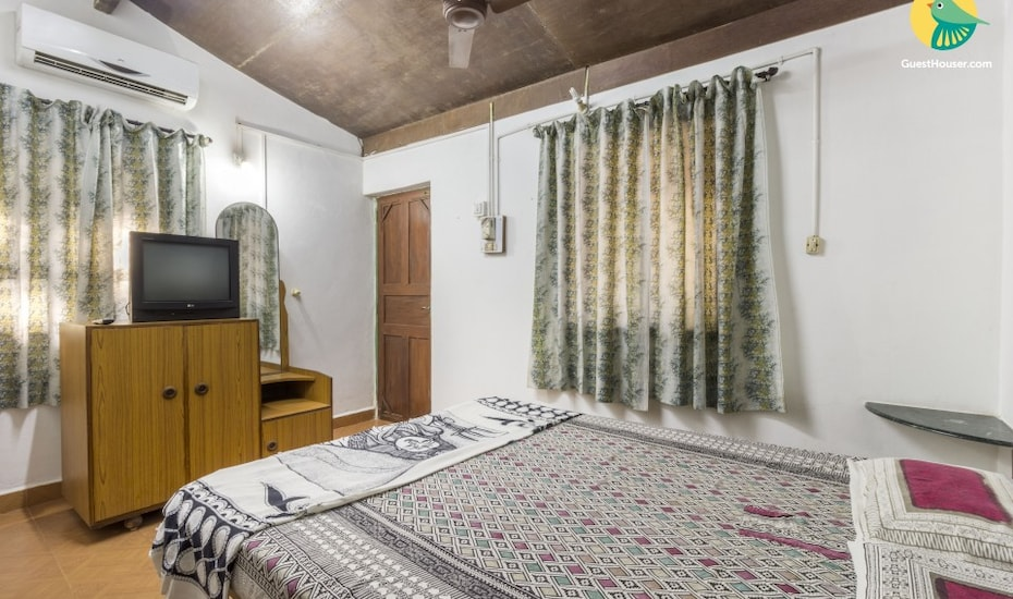 Restful stay for backpackers, 450 m from Vagator Beach, Vagator,