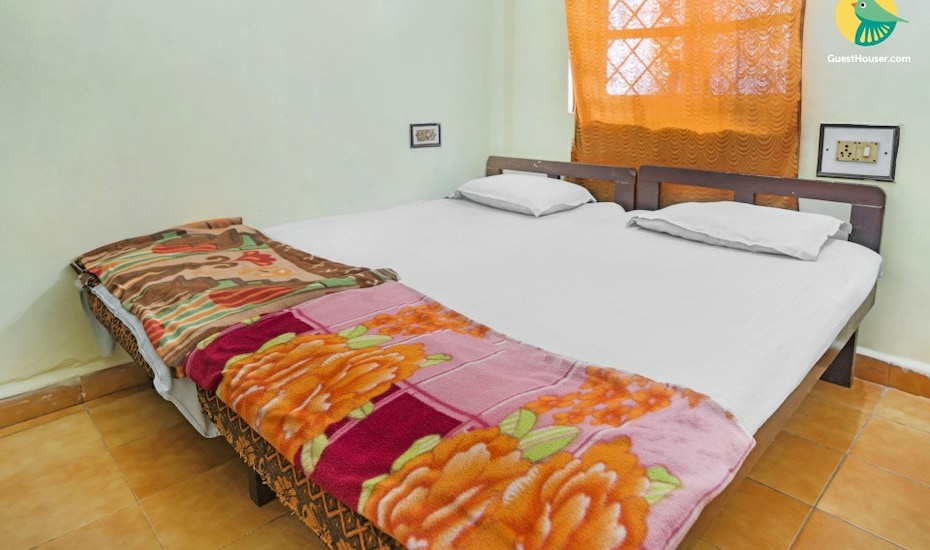 Homely single room for solo travellers, 150 m from Calangute beach, Calangute,