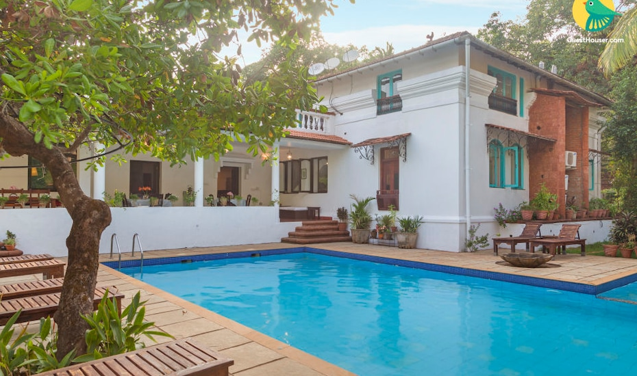 Palatial cottage room with pool for a couple on the Divar island, Divar Island,