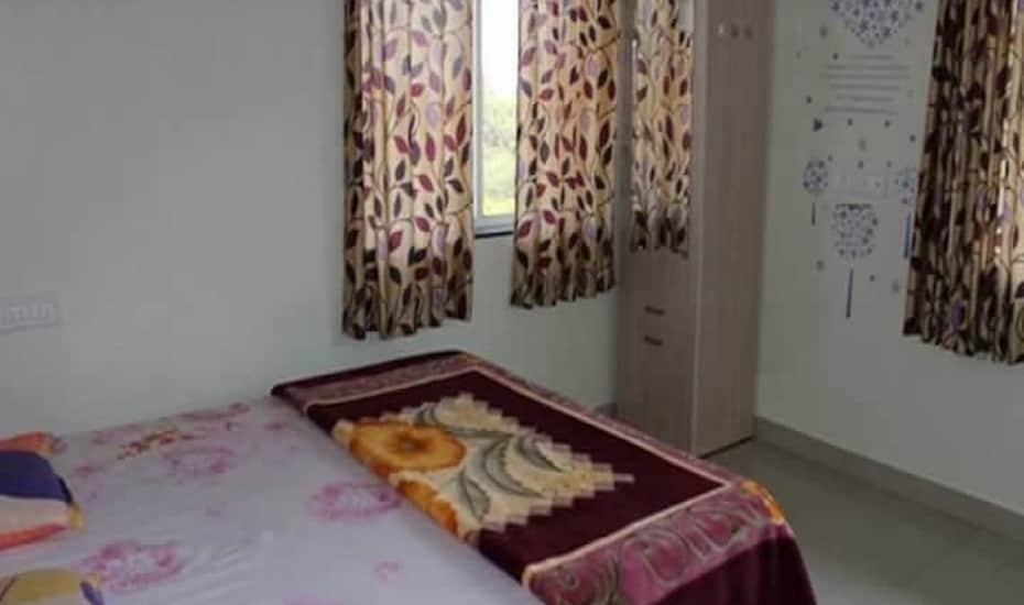 Kusum Palace, none,