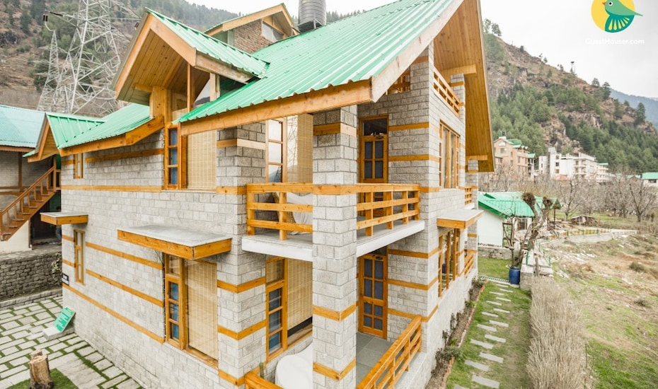 Well-appointed room in a stone cottage for nature lovers, Jagatsukh,