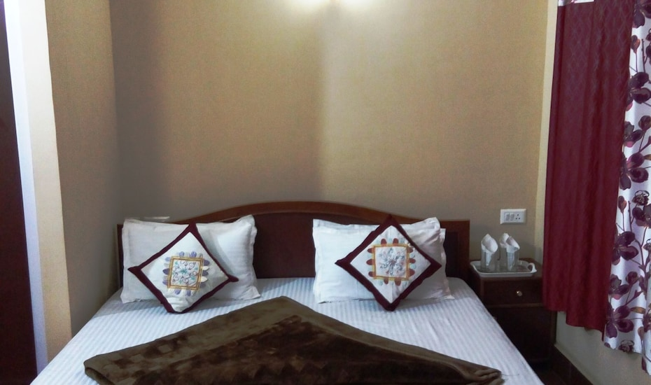 Hotel Jignam, Lal Bazar Road,