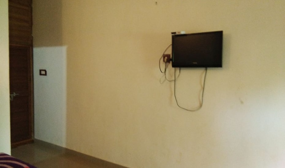 Bhaviks Relax inn, none,