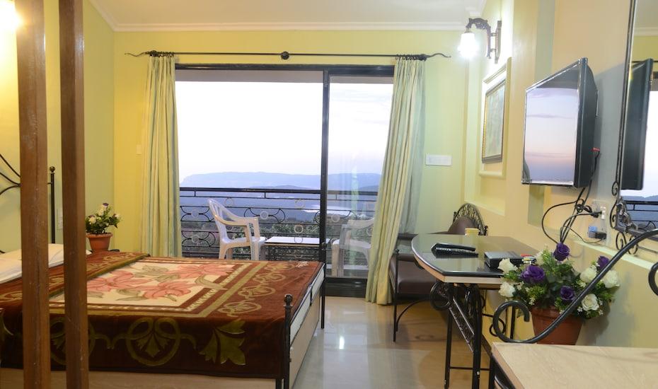 Hotel Arya, Gautam Road,