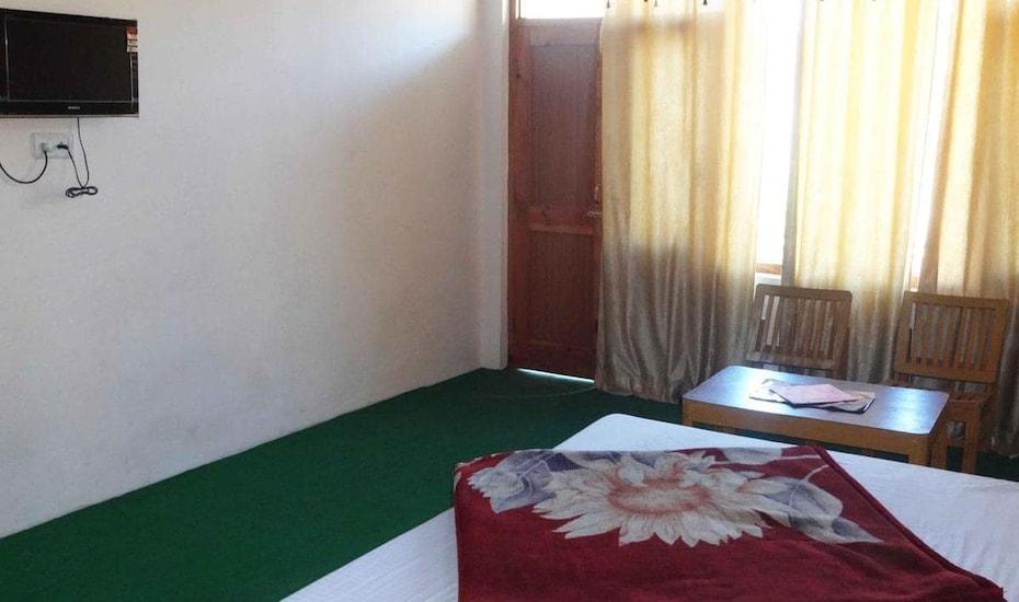 Aarya Homestay, Kalath,