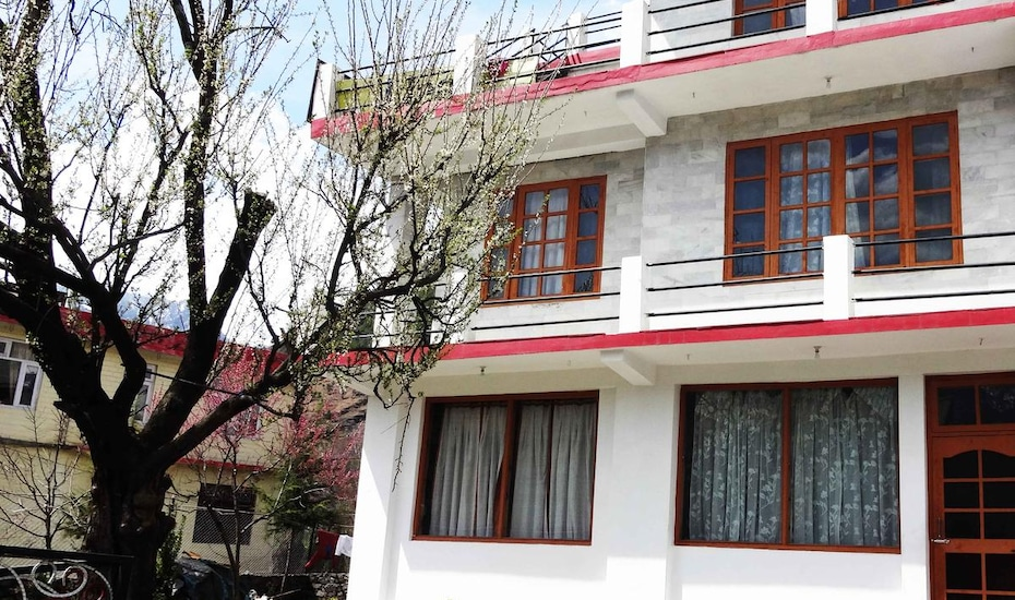 Bazira Cottages, Kanyal Road,