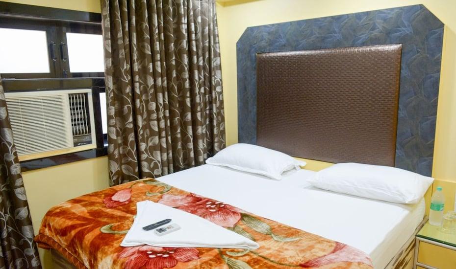 Hotel Elegant, Goregaon,