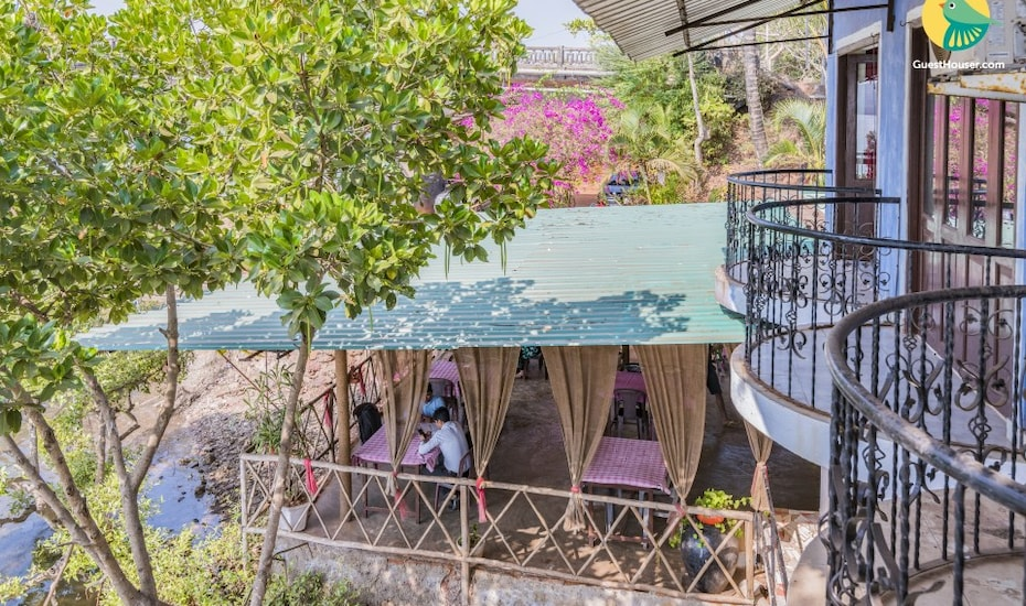 Riverside room for backpackers, 3.2 km from Candolim Beach, Nerul,
