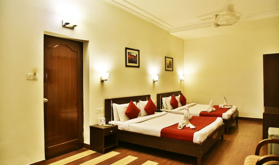 Hotel Sapphire, Near Golden Temple,