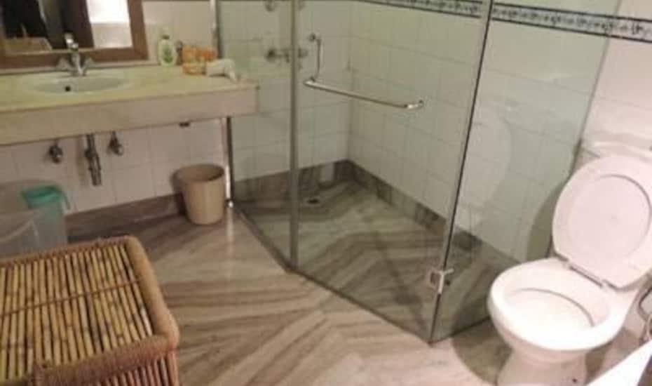 Hotel Basera, Balu Ganj,