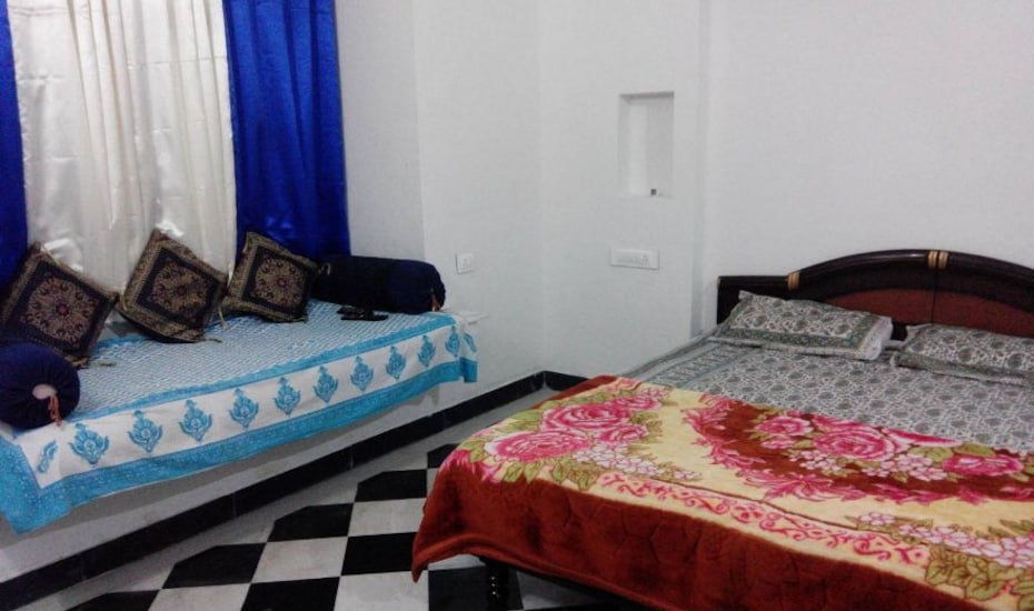 Marigold Guest House, Hanuman Ghat,