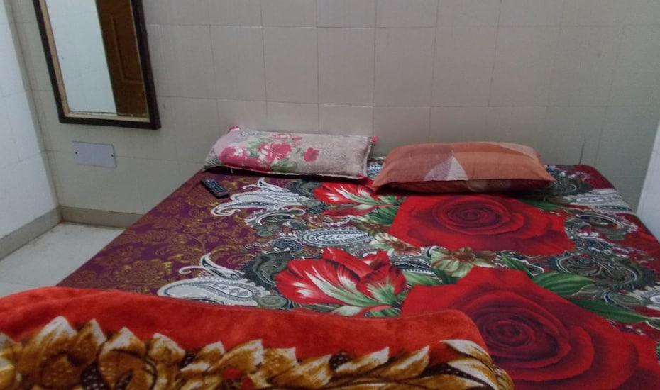 Shanti Guest House, none,