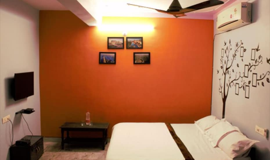 The Royal Villa Hotel& Restaurant, Ganapati Nagar,