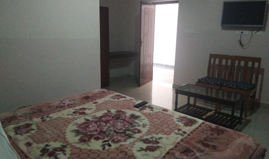 CS Comfort Inn, Naidupuram,