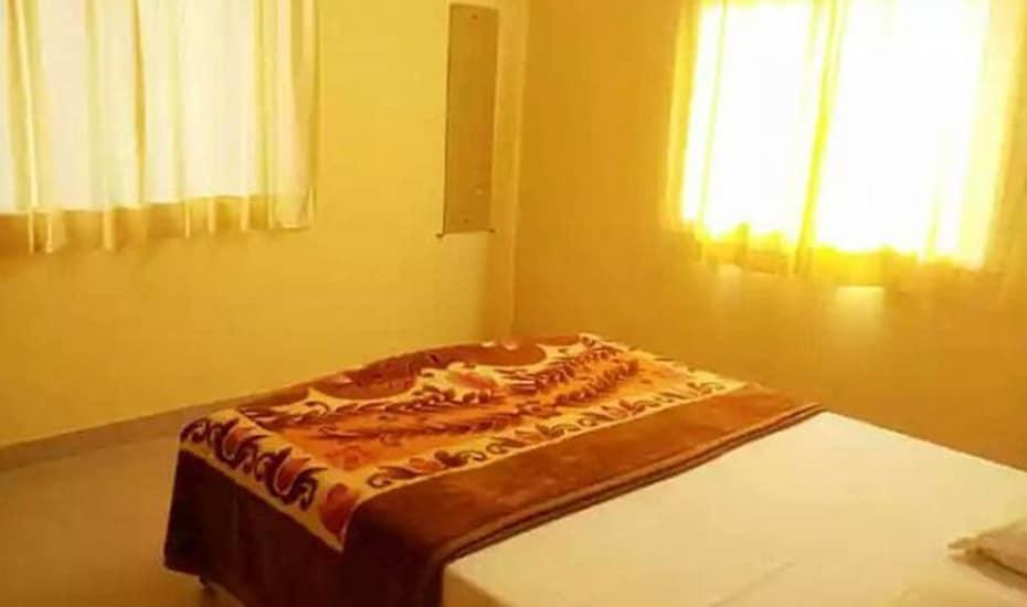 Royal Nest Bungalow, Machutar,