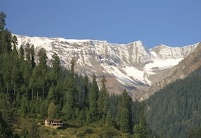 Naggar to Manali Snow Trek