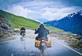 Motorbike Expedition from Manali to Ladakh